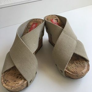 Canvas strap wedges!